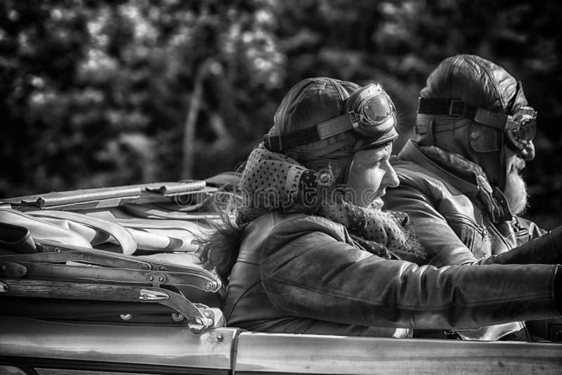 PESARO COLLE SAN BARTOLO WŁOCHY, MAJ 17, 2018 - CHRYSLER 72 DE LUXE TERENÓWKA 1928 stary bieżny samochód w zlotnym Mille Miglia 2 fotografia royalty free