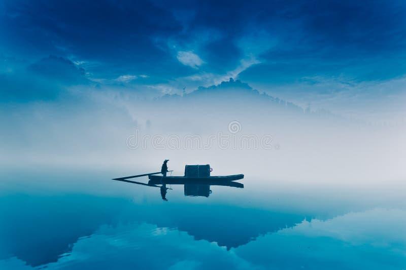 Pesca-barca nel paese delle fate fotografia stock libera da diritti