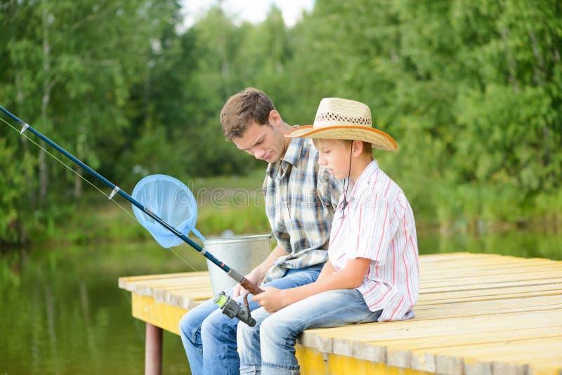 Pesca con l'amo di estate immagine stock