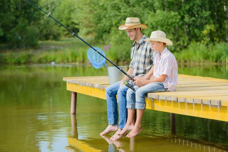 Pesca con l'amo di estate fotografia stock