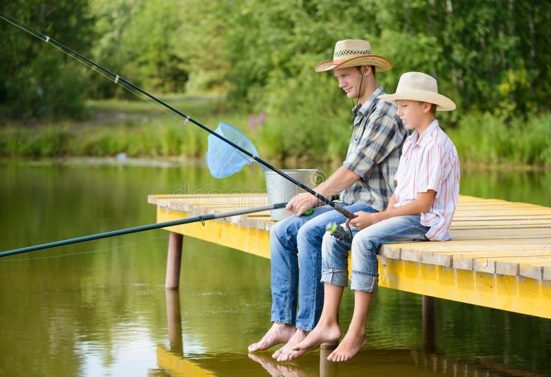 Pesca con l'amo di estate immagine stock libera da diritti