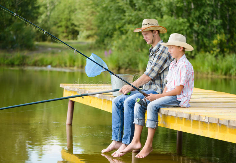 Pesca con l'amo di estate fotografia stock libera da diritti