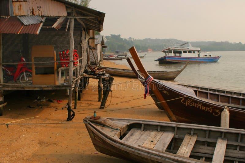 Pesca de la pequeña aldea imagen de archivo libre de regalías