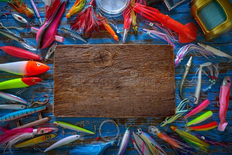 Pesca de piscardos de la colección de los trastos de los señuelos foto de archivo