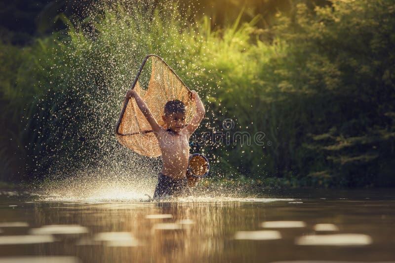 Pesca dei bambini immagine stock libera da diritti
