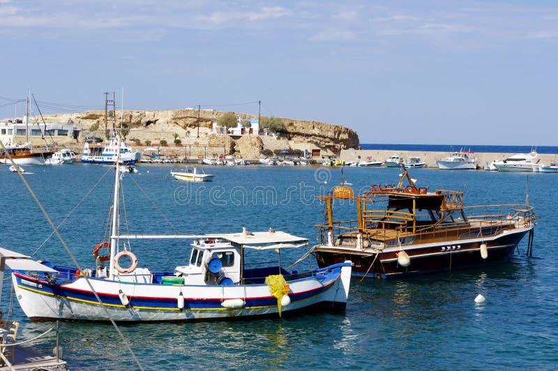 Pesca dei boates in porto, Creta Grecia fotografie stock libere da diritti