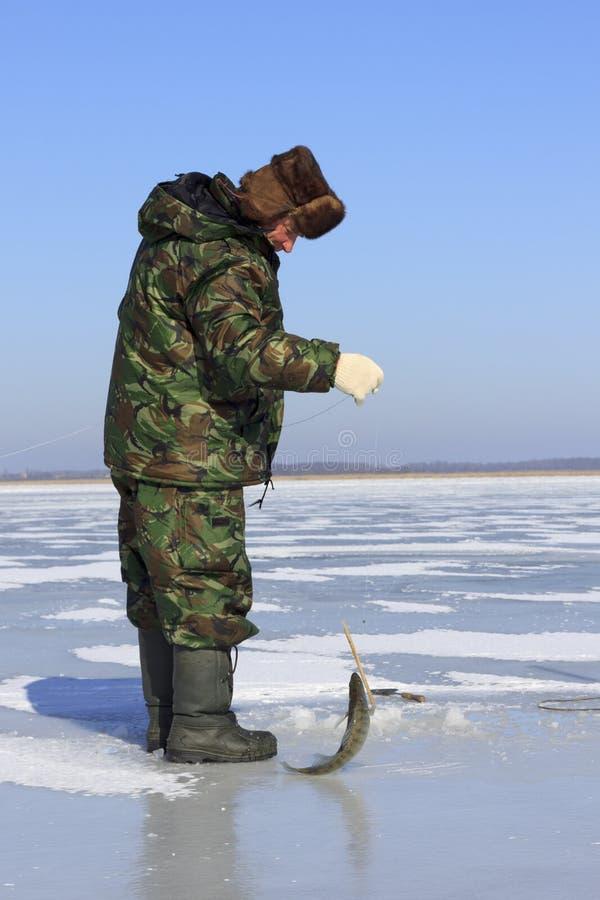 Pesca del hielo. fotos de archivo libres de regalías