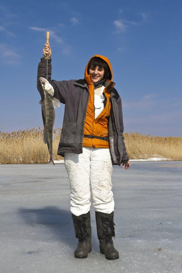 Pesca del hielo. imagenes de archivo