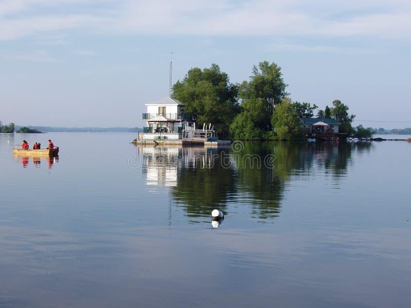 Download Pesca di festa immagine stock. Immagine di barca, fiume - 200523