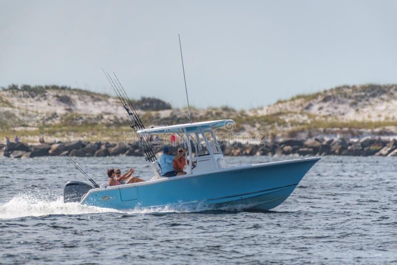 Pesca do barco de prazer imagem de stock