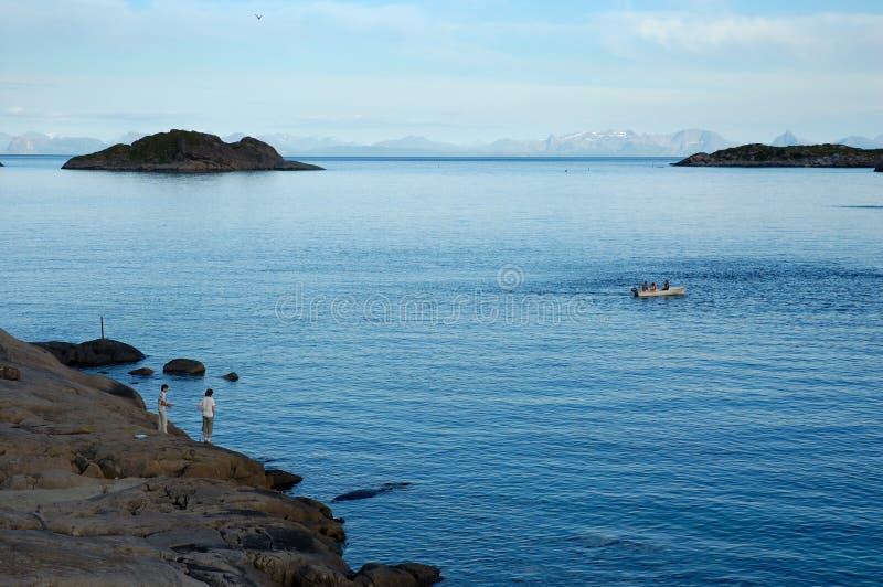 Pesca em consoles de Lofoten fotos de stock