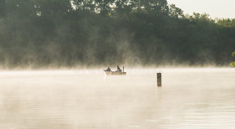 Pesca em James River místico fotografia de stock royalty free