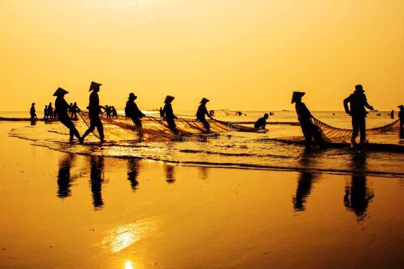 Pesca en amanecer fotos de archivo