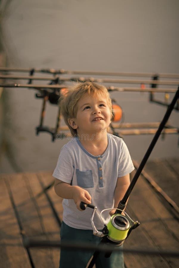 Pesca, inclinantesi, attività, avventura, sport fotografia stock libera da diritti
