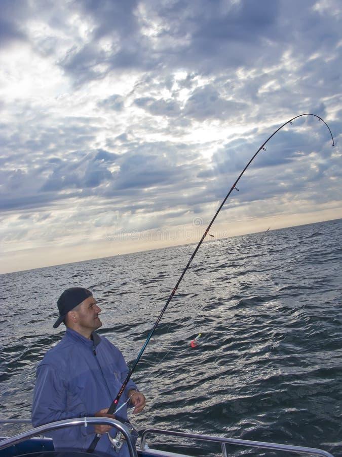 Pesca marittima dalla barca immagini stock