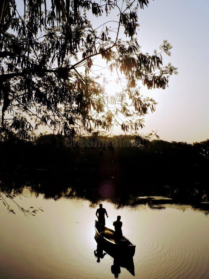 Pesca no mini litoral imagem de stock royalty free