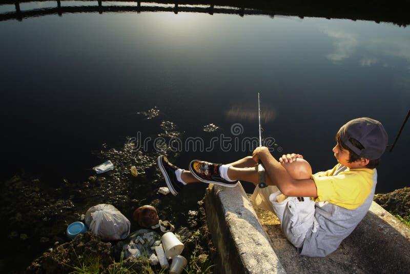 Pesca nova do menino imagens de stock royalty free