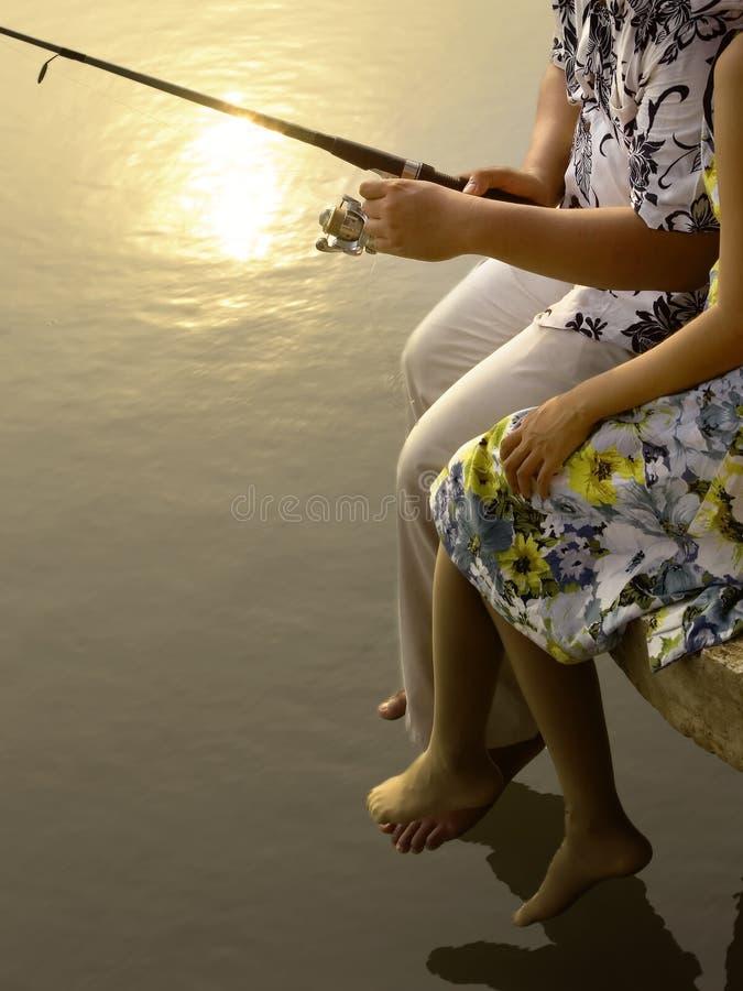 Pesca romántica de los pares foto de archivo libre de regalías