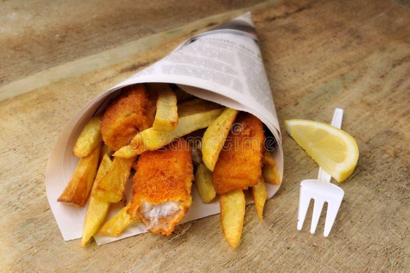 Pescado frito con patatas fritas fotos de archivo libres de regalías