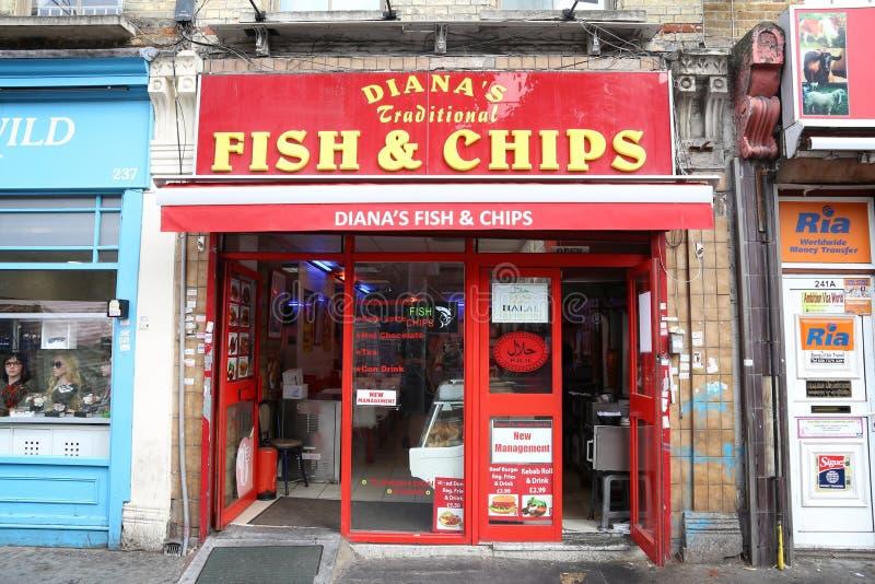Pescado frito con patatas fritas de Londres imágenes de archivo libres de regalías