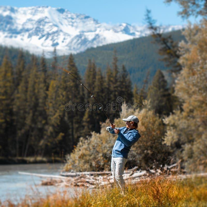 Pescador adulto novo imagens de stock