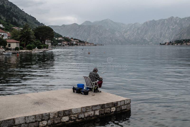 Pescador da ba?a de Kotor imagem de stock royalty free