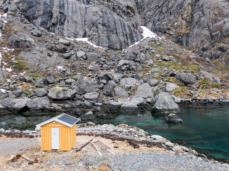 Pescador derramado em ilhas de Lofoten, Noruega imagens de stock