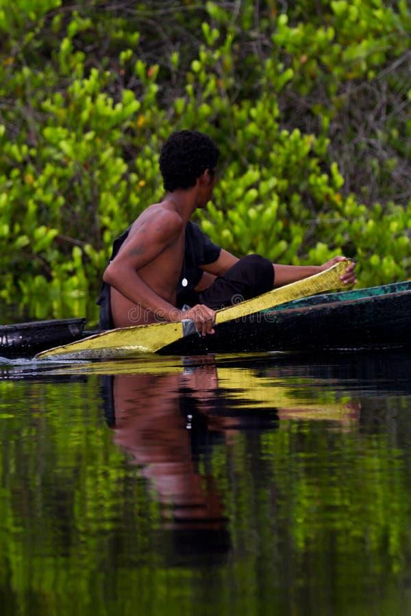Pescador en Belice imagen de archivo libre de regalías