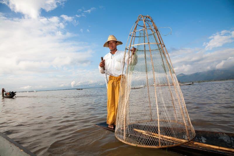 Pescador, lago Inle, Myanmar foto de stock royalty free