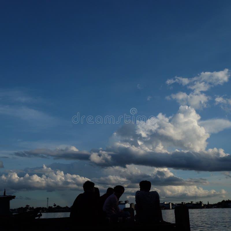 Pescador no fim do dia foto de stock royalty free