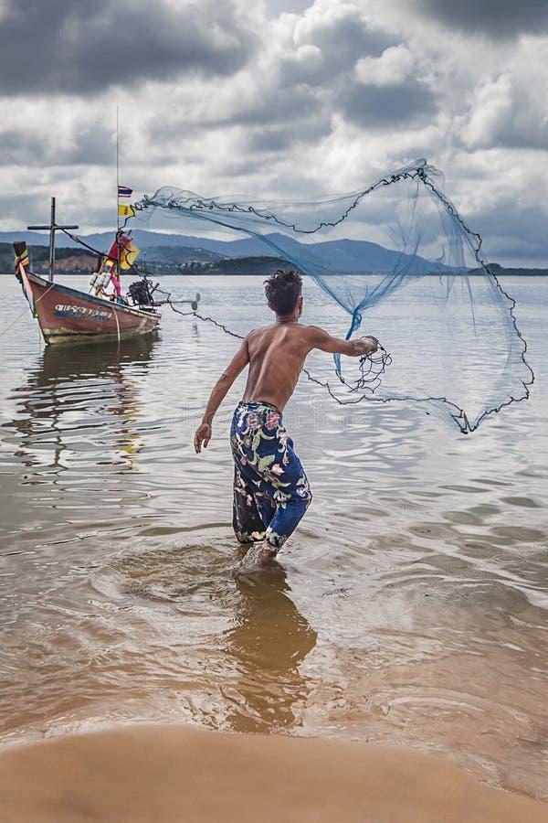 Pescador tailandés imagen de archivo libre de regalías