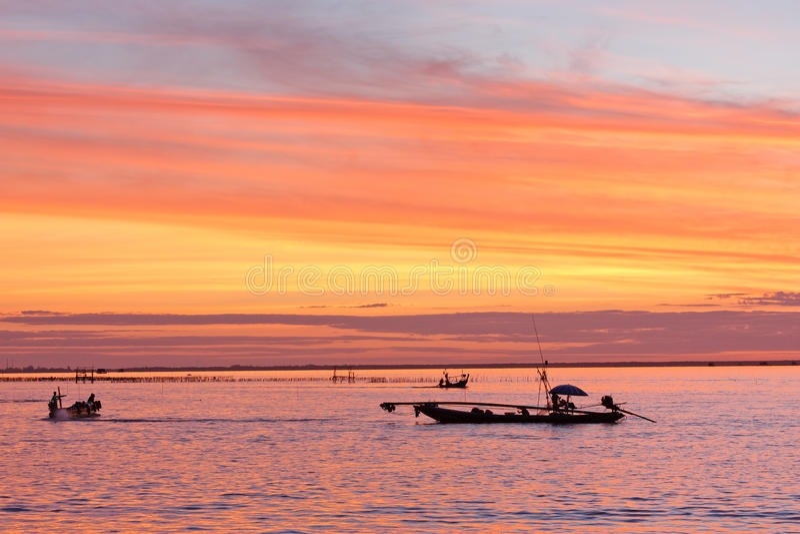Download Pescadores imagem de stock. Imagem de prendedor, rede - 26523381