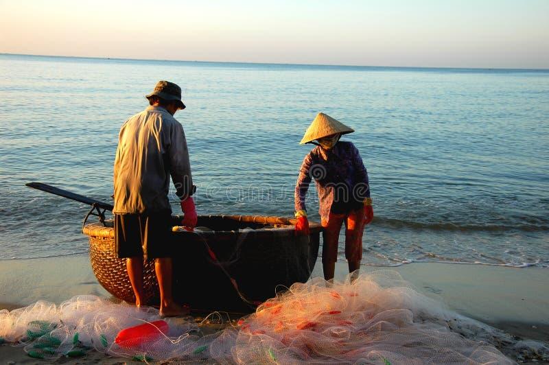 Pescadores de Vietnam imagens de stock royalty free