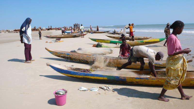 Pescadores em Morondava. Madagascar imagem de stock royalty free