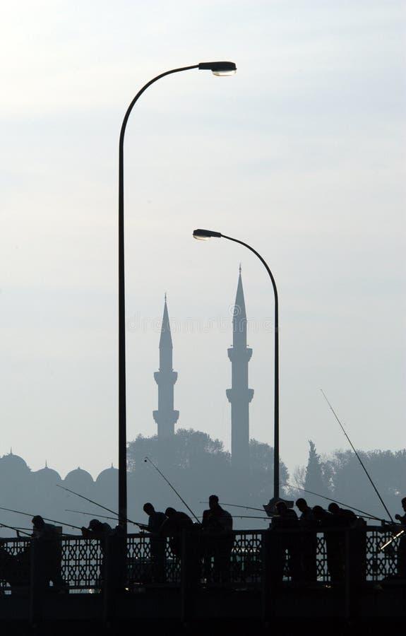 Pescadores en Estambul fotografía de archivo