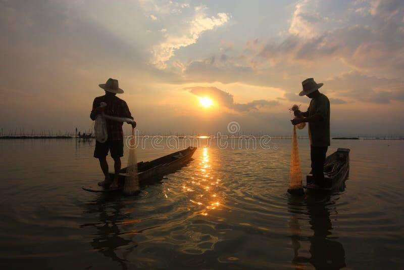 Pescadores no rio fotos de stock royalty free