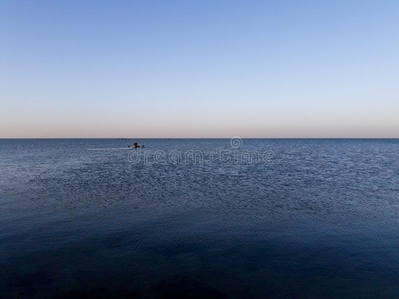 Pescadores nos barcos fotos de stock royalty free