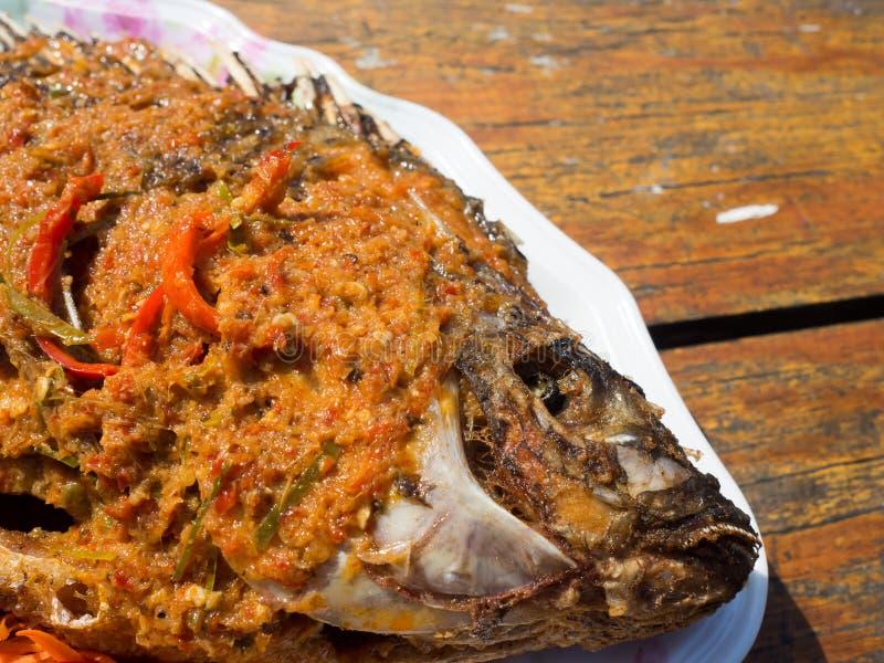 Pescados fritos picantes tailandeses imagen de archivo libre de regalías