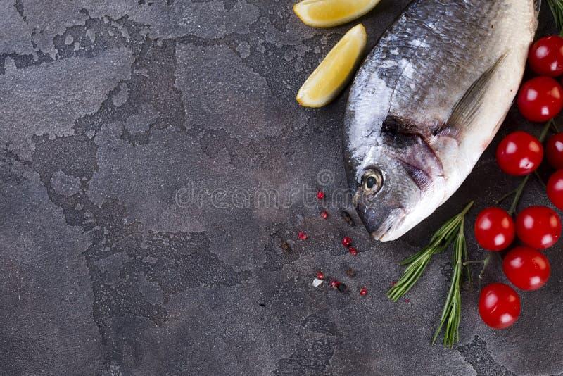Pescados sin procesar frescos foto de archivo libre de regalías