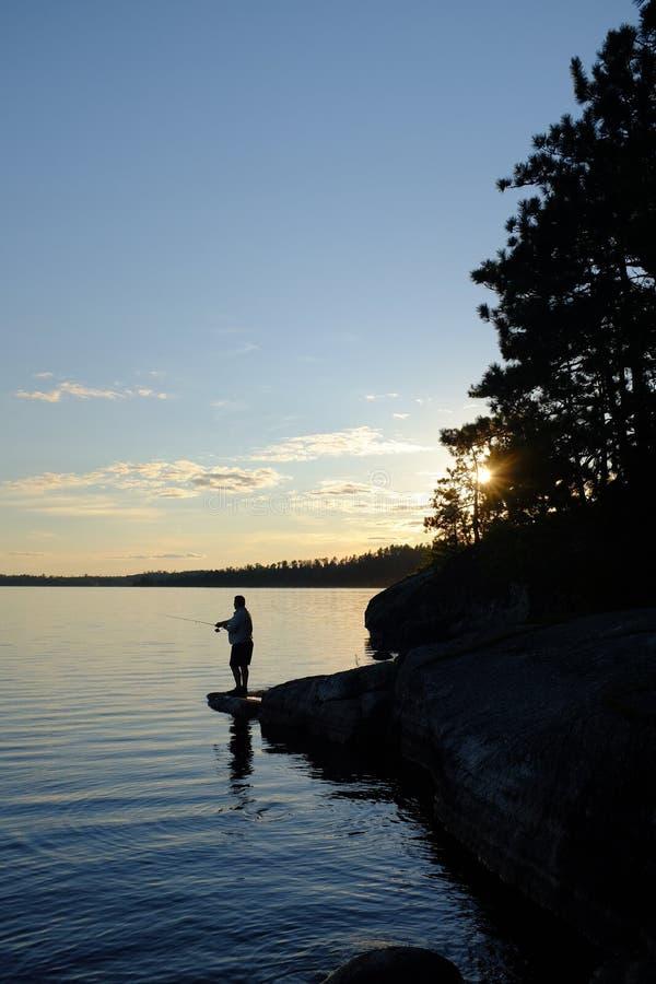 Pescando in Ontario nordico fotografia stock