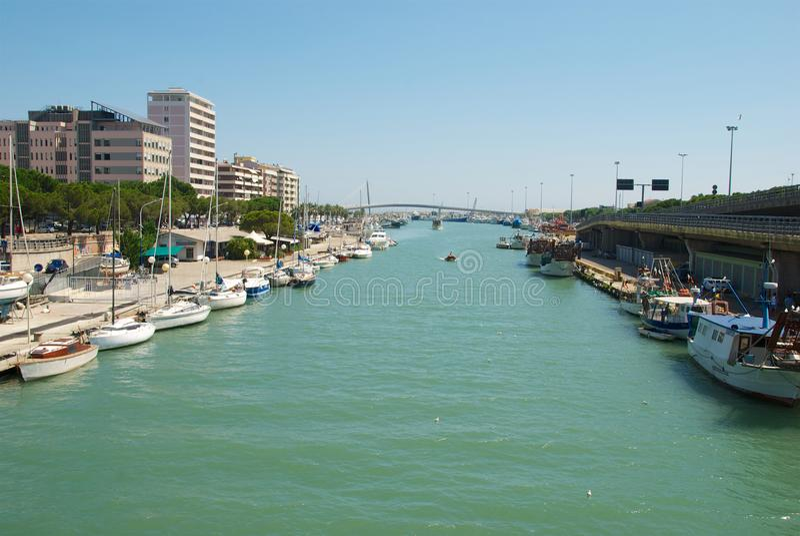 Pescara, άποψη του Portocanale στοκ φωτογραφίες
