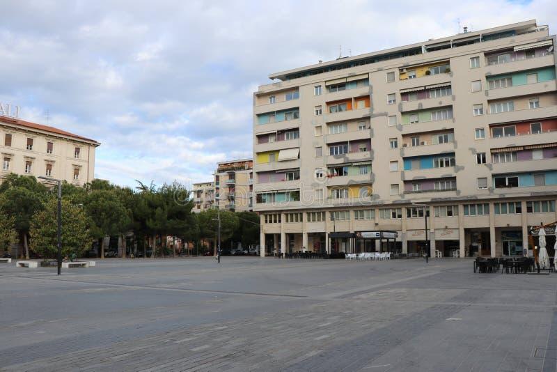 """Pescara, Italia Vista panoramica del quadrato principale di Pescara, chiamata """"piazza Salotto """" fotografia stock libera da diritti"""