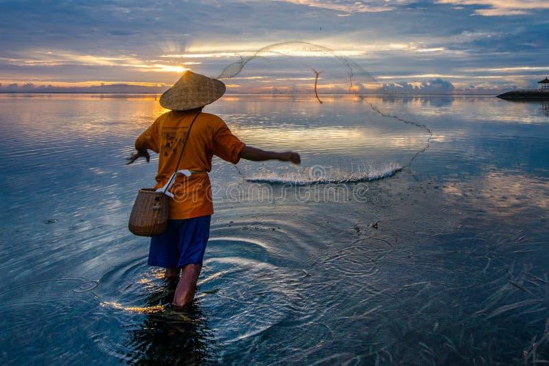Pescatore in Sanur immagini stock libere da diritti