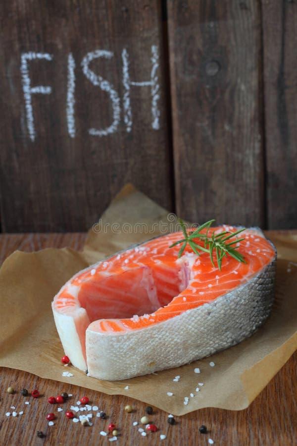 Pesce rosso salato con pepe immagine stock libera da diritti