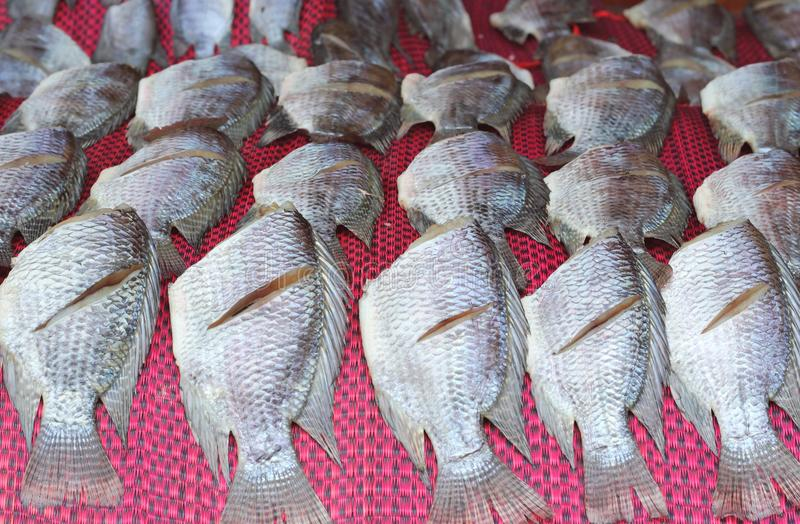 Pesce salato asciutto o pesce essiccato fotografie stock