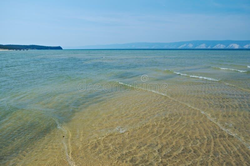 Peschanka - fjärd med en sandig strand arkivbilder