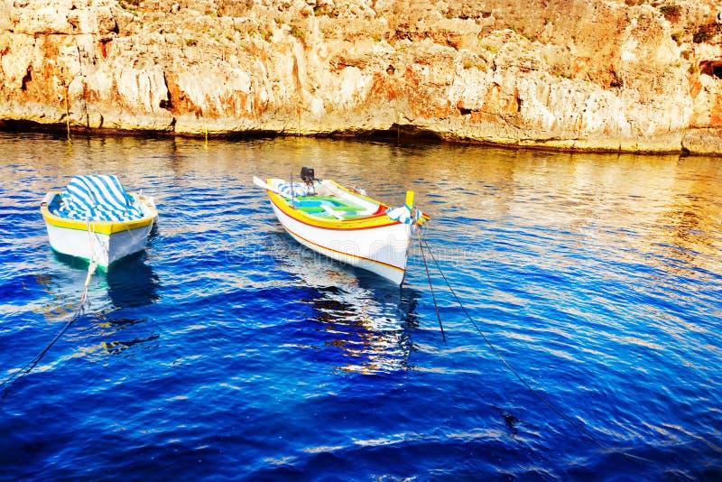 Pescherecci colorati, Malta fotografia stock libera da diritti