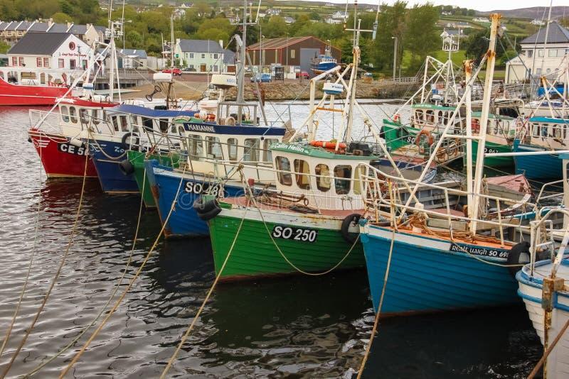 Pescherecci nel porto Greencastle Inishowen Il Donegal l'irlanda fotografie stock libere da diritti