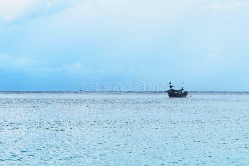 Peschereccio tailandese utilizzato come veicolo per l'individuazione del pesce fotografie stock libere da diritti