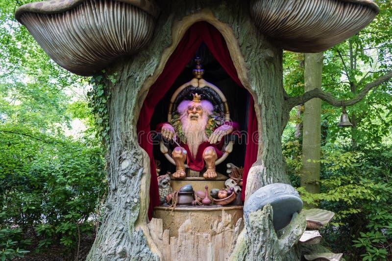 Peschi a traina re in parco a tema De Efteling nei Paesi Bassi immagine stock libera da diritti